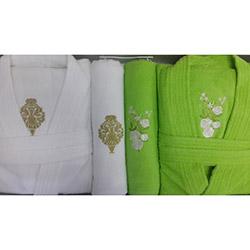 Soley Klasik Yeşil Beyaz 6 Parça Bornoz Seti