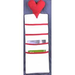 Kalp Figürlü Dolap Düzenleyici - Kırmızı / Beyaz