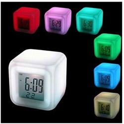 Patrix 7 Renk Değiştiren Alarmlı Dijital Küp Saat