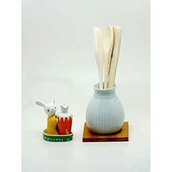 Porselen Tavşan Tuzluk ve Vazo Kaşıklık Seti