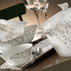 Kütahya Porselen 73 Parça Kare Bone 50110 Desenli Yemek Takımı