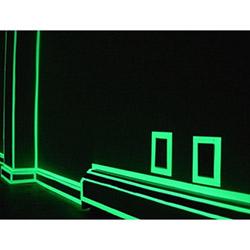 Practika Karanlıkta Işık Veren Fosforlu Şerit Bant - 4 metre