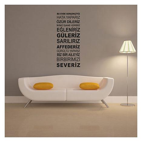 Artikel Bu Evde Gerçekçiyiz Duvar Yazısı - 135x57 cm