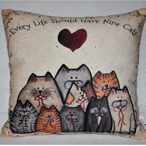 Nevresim Dünyası 3D Nine Cats İçi Dolu Kırlent - 43x43 cm
