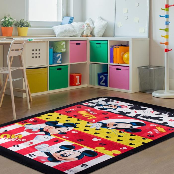 Giz Home Mickey Lisanslı Çocuk Halısı (Kırmızı) - 140x190 cm
