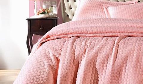 Yatak Örtülerinde %40'a Varan İndirimler
